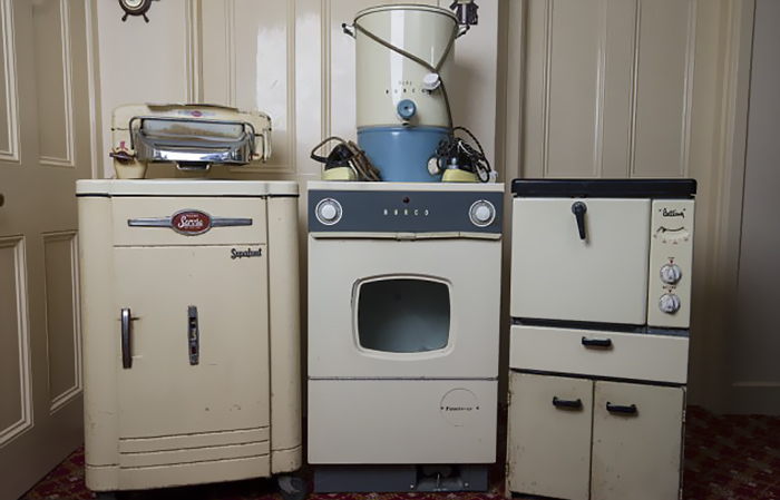 image credits  david hedges swns this elderly couple bought their household appliances in 1950s 50      rh   boredpanda com