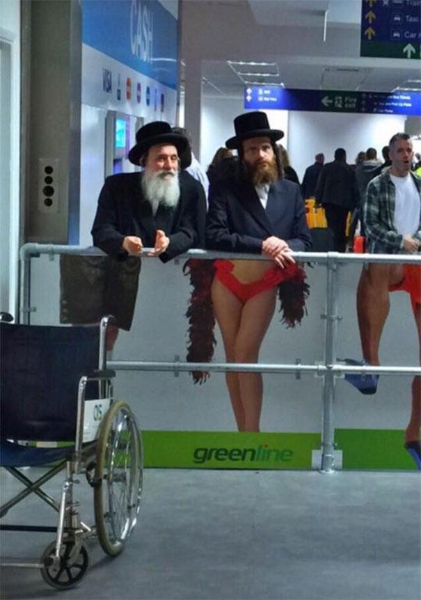 Seen At The Airport In Tel Aviv, Israel, 10 фотографий сделанных в нужный момент