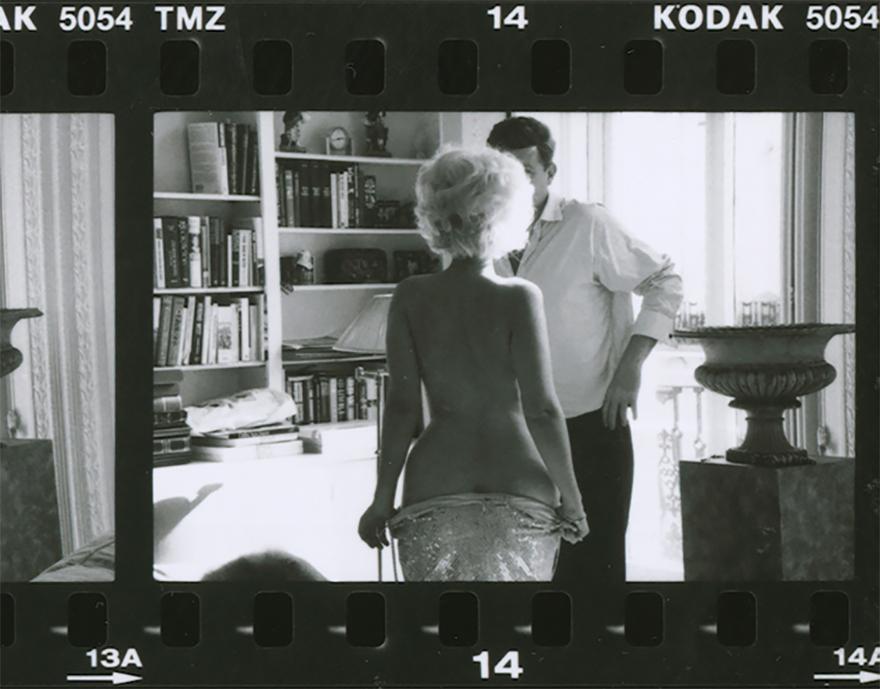 Marilyn Monroe Lookalike Underessing Before Jfk Impersonator