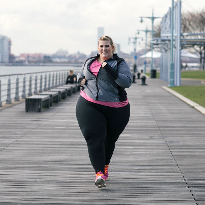 562746c98907f Plus-Size Model Gets Fat-Shamed For Her Photo In Active Wear