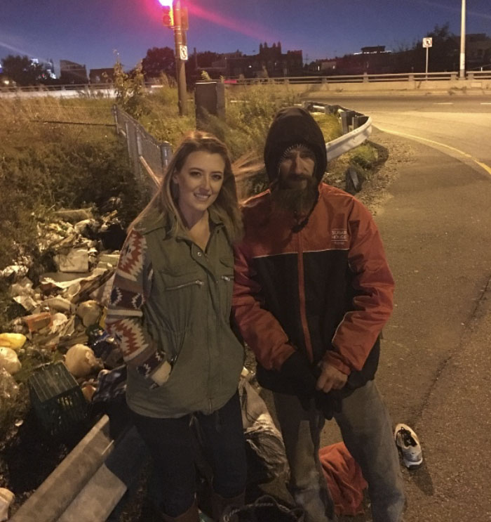Homeless Veteran Helps Out A Woman By Giving His LAST $20, Does Not Expect It Will Change His Life Forever (UPDATED)