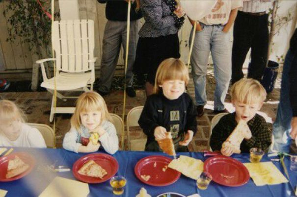 I've Been Looking For This Forever. Finally Found It At My Parents House. Here's My Twin Brother Eating Pizza With Some Famous Twins In 1991. When I Was In 10th Grade My High School Friends Didn't Believe That Mary Kate And Ashley Olsen Used To Be Friends With My Twin Brother And I