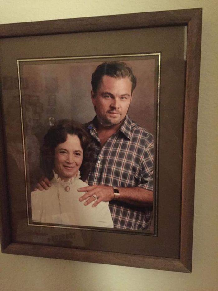 Mi abuela puso un recorte de Leonardo di Caprio sobre la cara de su marido fallecido, que no era muy simpático. El photoshop de los octogenarios