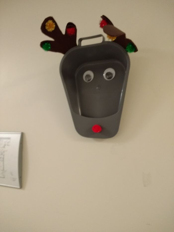 Bedpan Reindeer