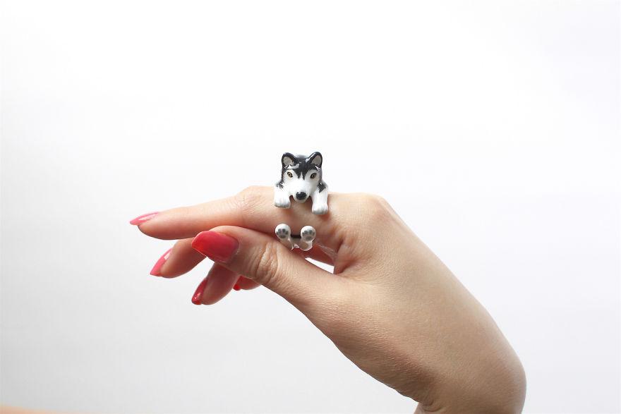 Mary Lou Black Husky Ring
