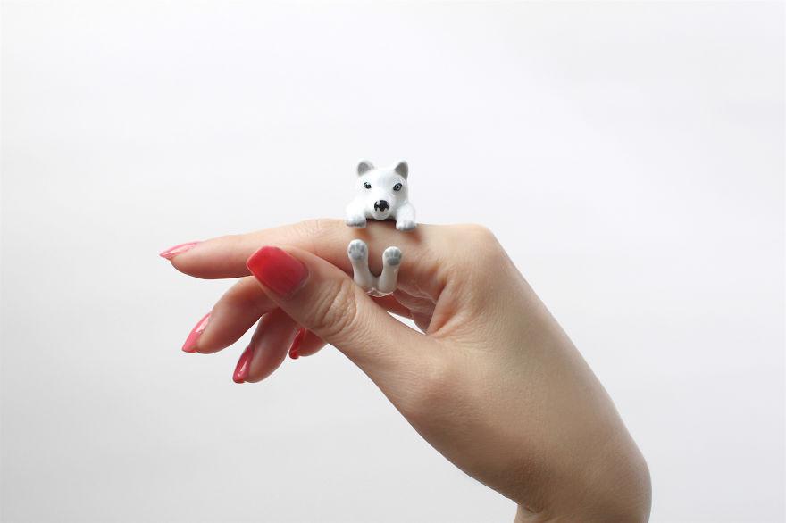Mary Lou White Husky Ring