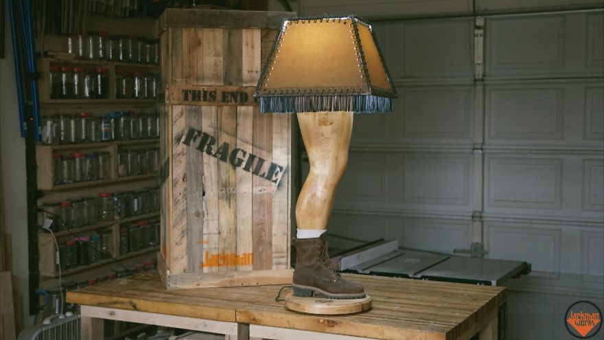 Guy Builds A Manly Christmas Story Leg Lamp And Here S How