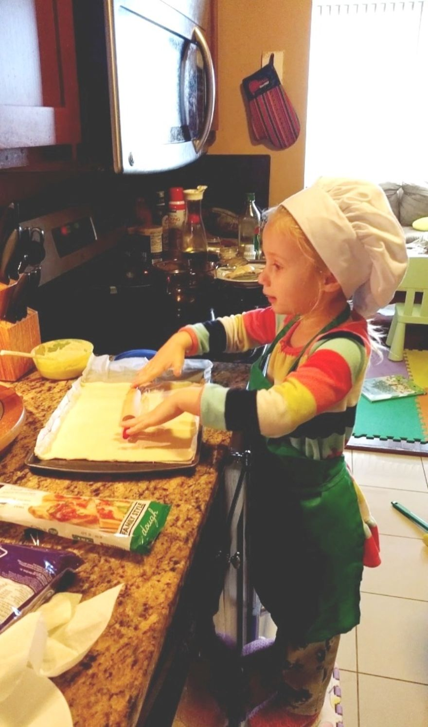 "It's Important To Sing ""Pat A Cake"" While Making Pizza."