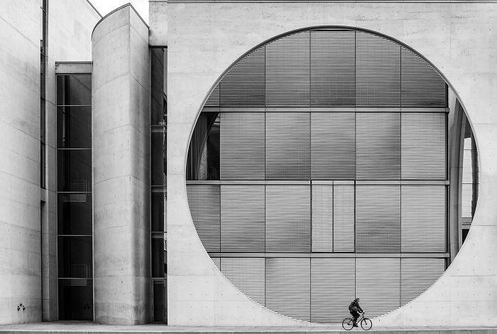 Ciclista De Berlín, Wenpeng Lu (3º En Arquitectura Y Espacios Urbanos)