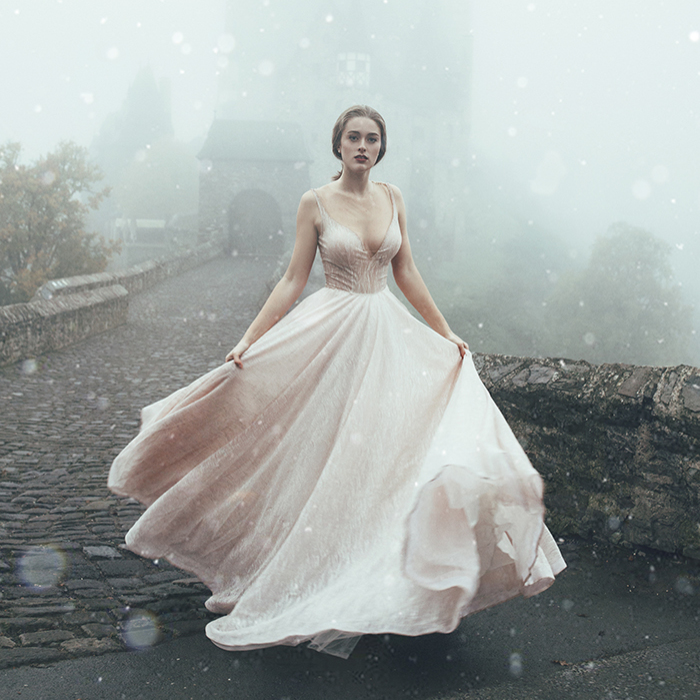 Photographer Wanted To Visit This Castle For More Than 2 Years, And The Photos She Made There Turned Out So Magical And Dreamy