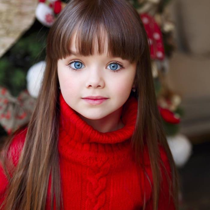 6-Year-Old Russian With Beautiful Blue Eyes Is Voted The Most Beautiful Girl In The World