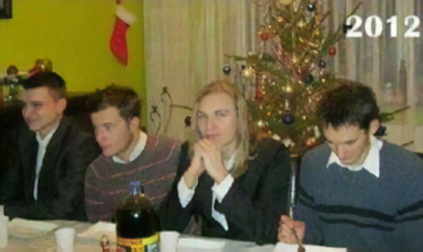 Every Year These 4 Friends Take The Same Christmas Photo, And The Way They Change Is Amazing