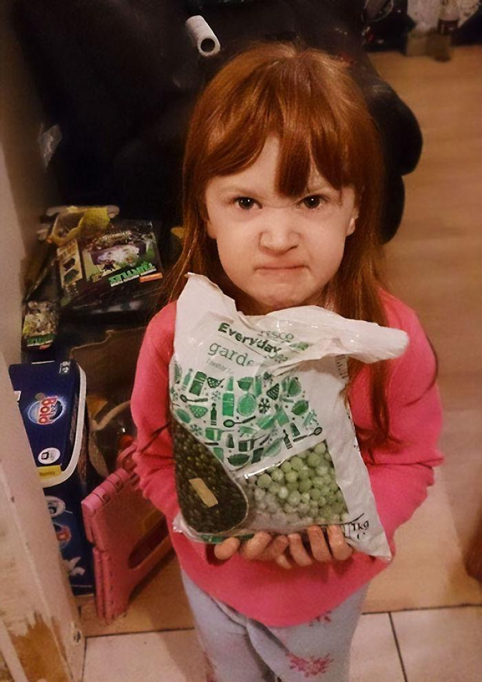 Esta niña quería regalos de Frozen, recibió guisantes congelados