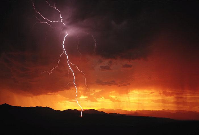 The Breathtaking Beauty Of Lightning Shot At 1,000FPS