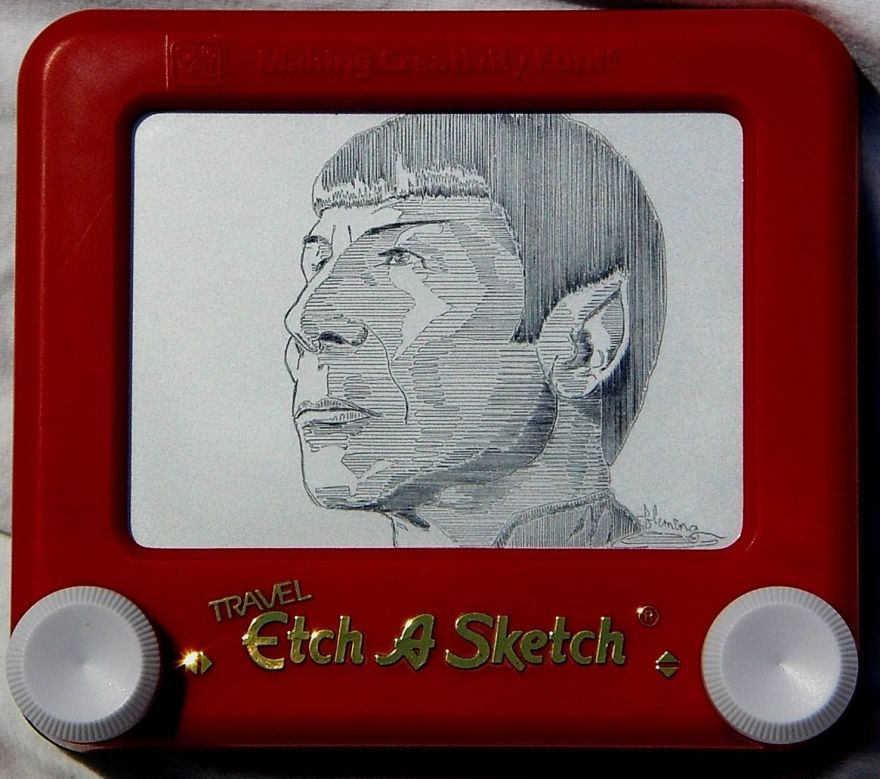 Etch-A-Sketch Artist Creates Mind-Blowing Works By Simply Turning The Dials
