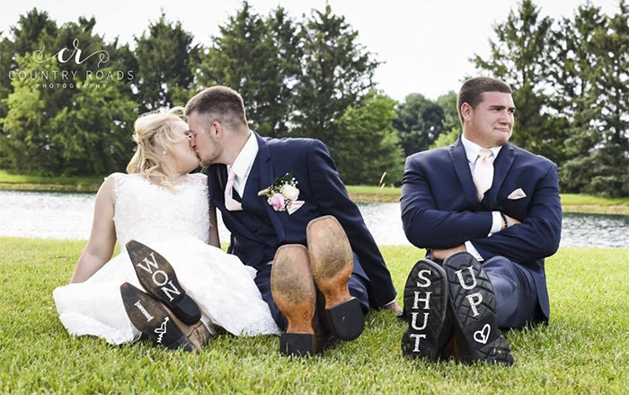 'Third Wheel' Best Man Hijacks His Best Friend's Wedding Photoshoot, And It's Hilarious