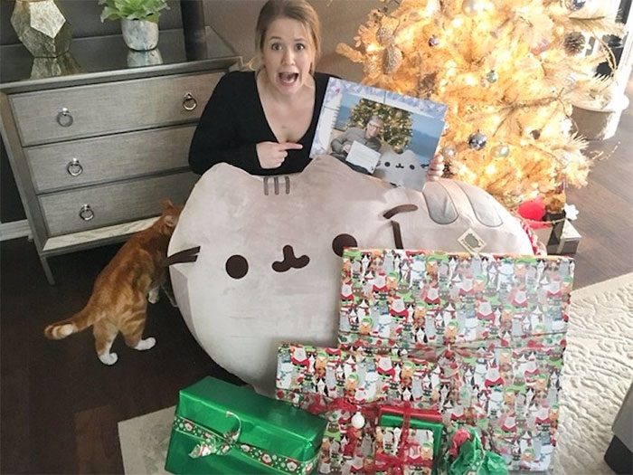 One Reddit User Got Bill Gates As Her Secret Santa, And Here's What She Received
