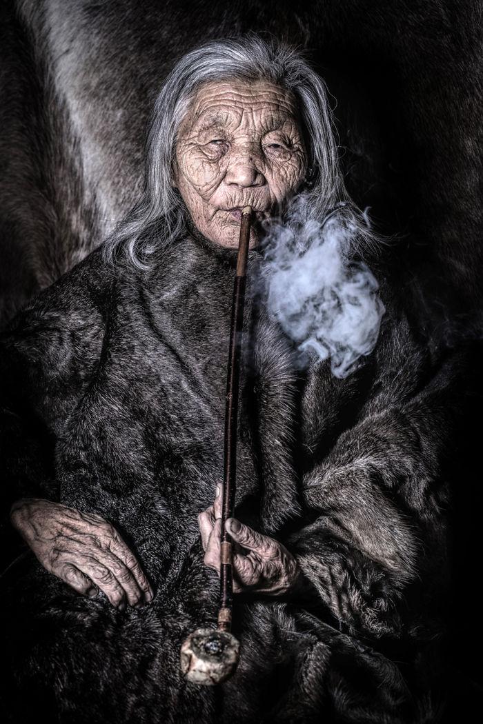 Mujer Dukha