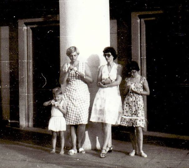 Back In ...hmmmm.... Let´s Say 1976, My Sister, Aunt, Mum And Me