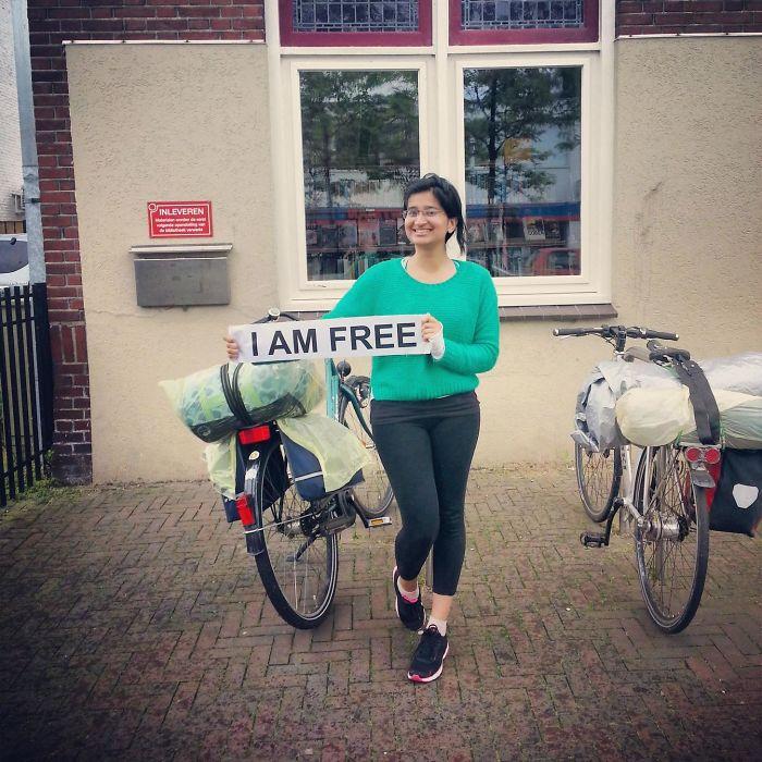 Tengo 25 años, soy de Pakistán y he ido en bici desde Muenster a Aachen en Alemania para demostrar que las mujeres pueden viajar solas, las árabes también