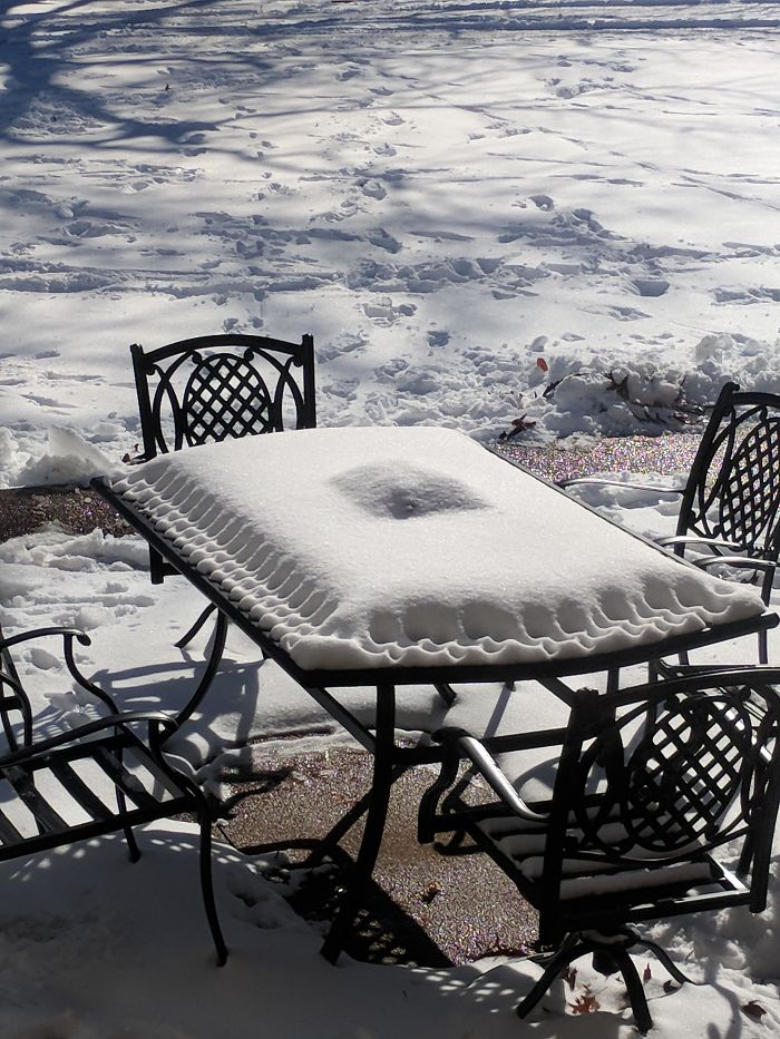 The Snow On This Patio Table Looks Like A Pastry Pie