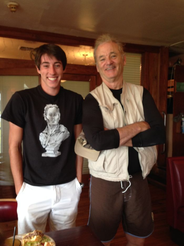 Estaba mi amigo en un restaurante con su camiseta de Bill Murray cuando...