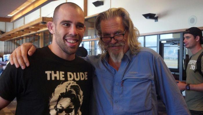 Mi amigo se encontró con Jeff Bridges en el aeropuerto y casualmente llevaba esa camiseta