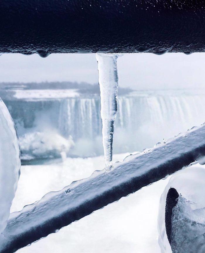 The Frozen Falls ❄ . . . . . .