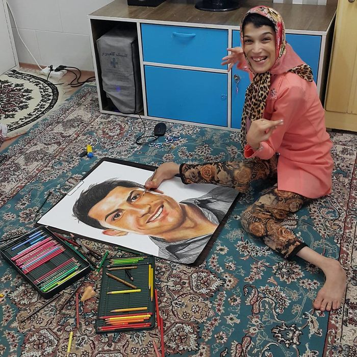 Disabled Iranian Artist Fatemeh Hamami Draws The Portrait Of Cristiano Ronaldo Using Only Her Feet