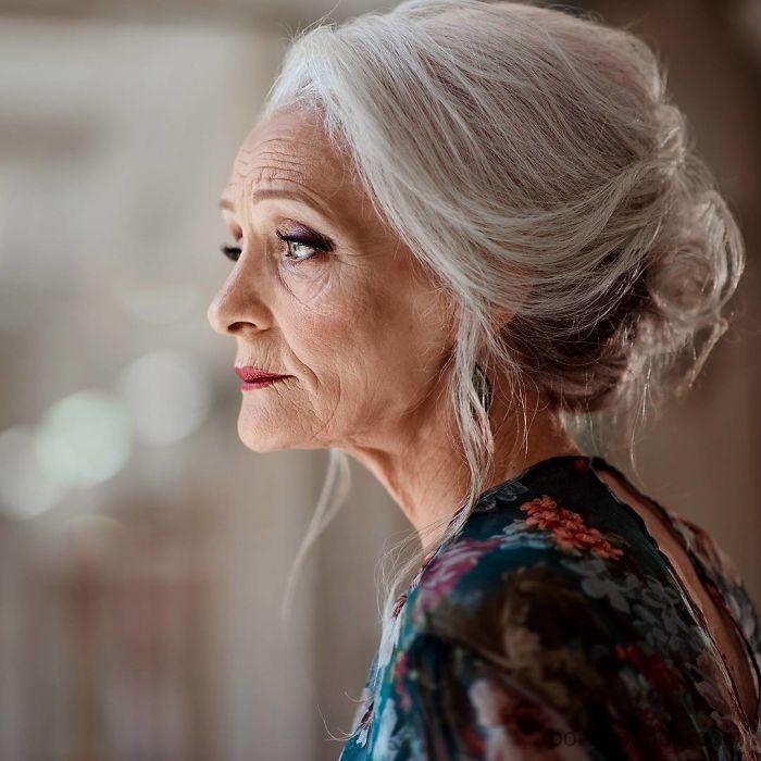 oldushka models Irina Belisheva, 70 years old зурган илэрцүүд