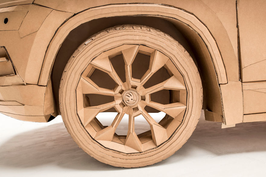 Lazerian Creates Cardboard Car For Skoda