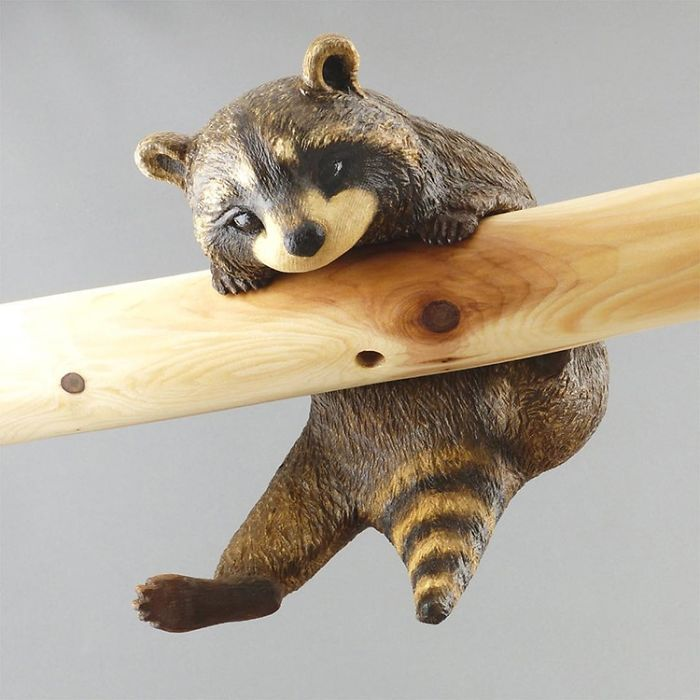 Japanese Artist Makes Impressive And Detailed Animal Sculptures From Wood