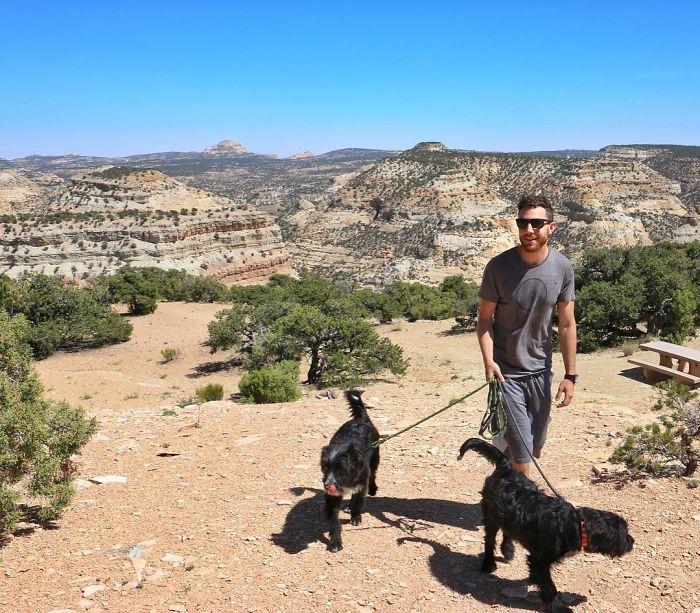 Travel-With-Two-Homeless-Dogs-Jordan-Kahana