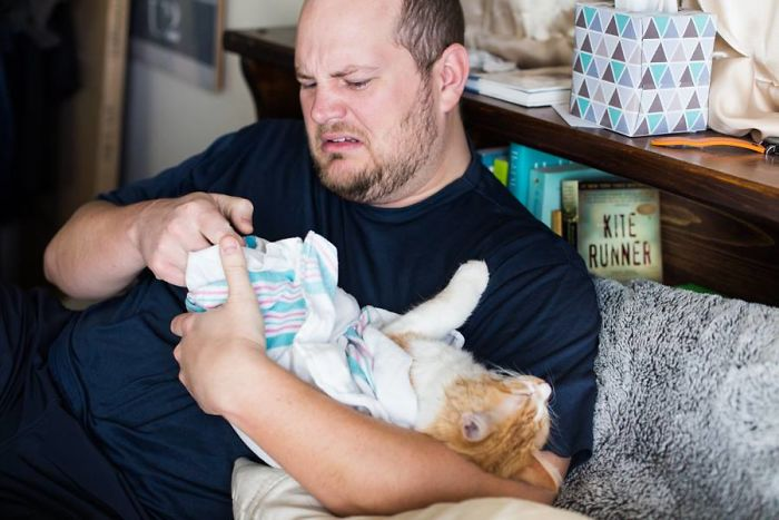 Couple's Birthing Photoshoot Goes Viral, And People Don't Know What To Think