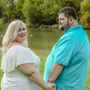 Una futura novia acusa a una fotógrafa de criticar su peso en las fotos, pero la fotógrafa tiene su propia historia