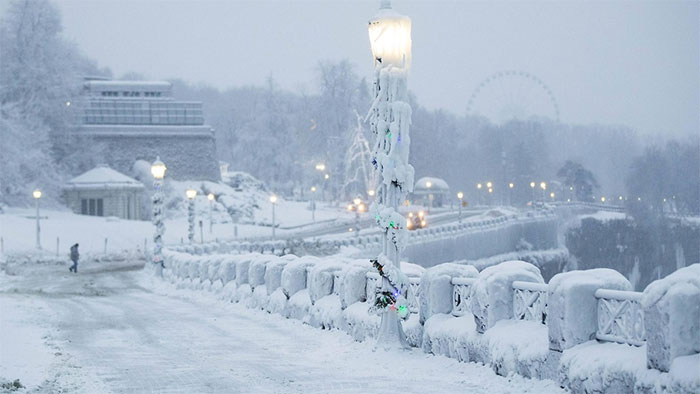Frozen Niagara