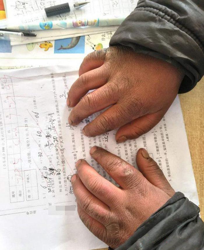 ice-boy-walk-freezing-cold-school-wang-fuman-china-9