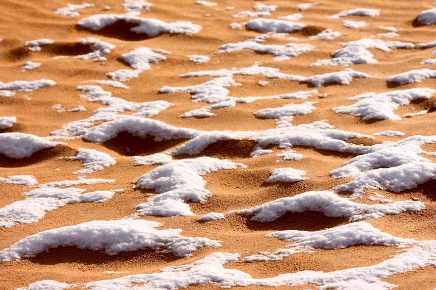 rare-snow-sahara-desert-third-time-karim-bouchetata-11