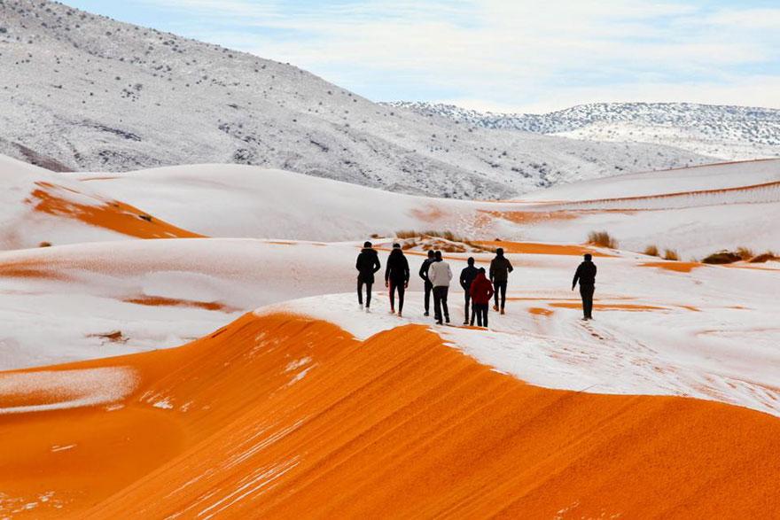 rare-snow-sahara-desert-third-time-karim-bouchetata-12