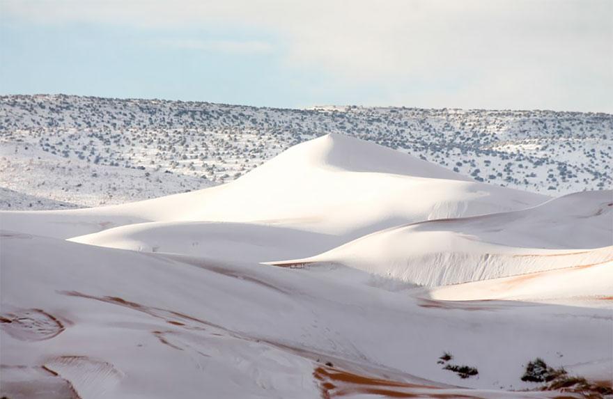 rare-snow-sahara-desert-third-time-karim-bouchetata-20