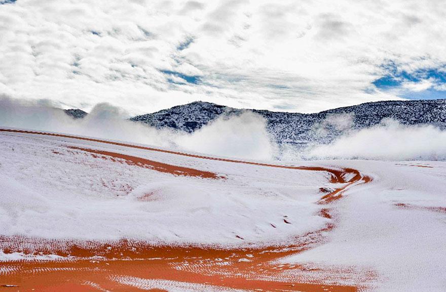 rare-snow-sahara-desert-third-time-karim-bouchetata-21
