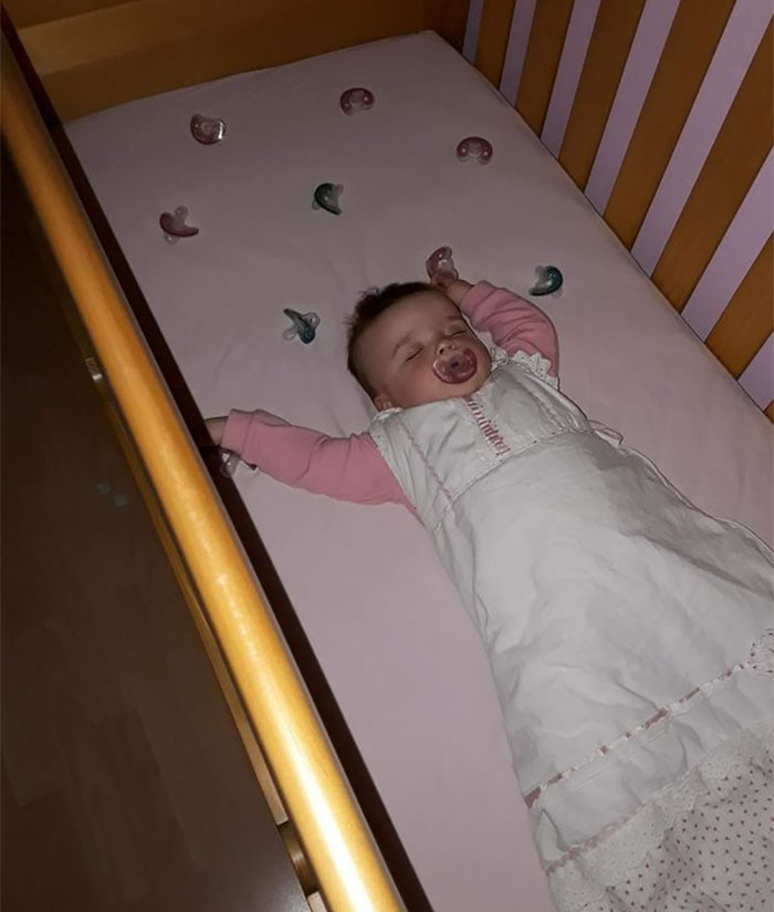 stop-daughter-cry-sleep-dummy-laura-gerson-2