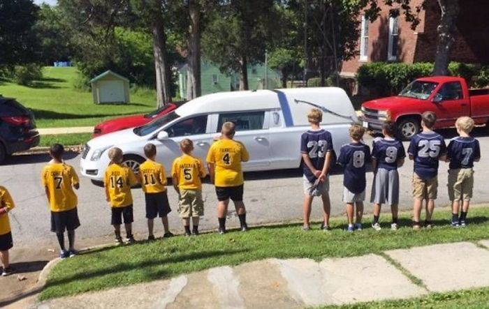 Little Leaguers Line Funeral Route Of 10 Year Old Teammate Killed By Tree Branch During Game