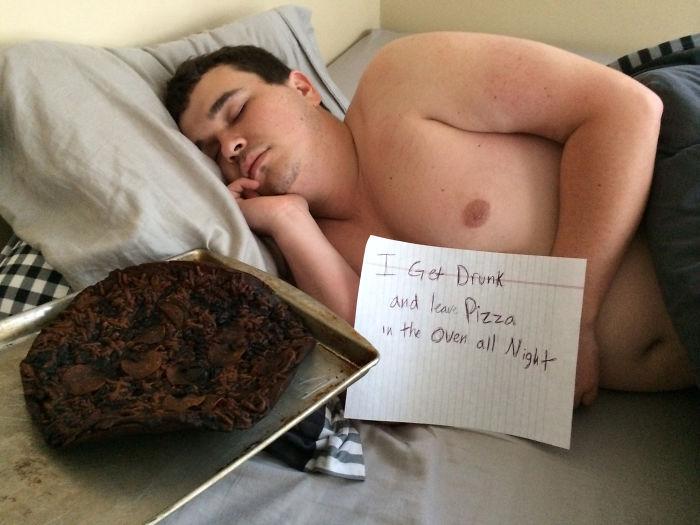 Me emborraché y dejé una pizza en el horno toda la noche