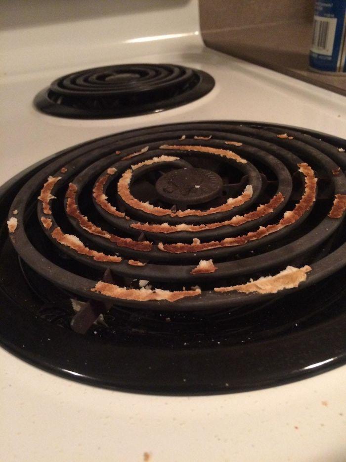Here's How My GF Heats Up A Tortilla