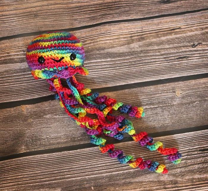 how to make something out of yarn