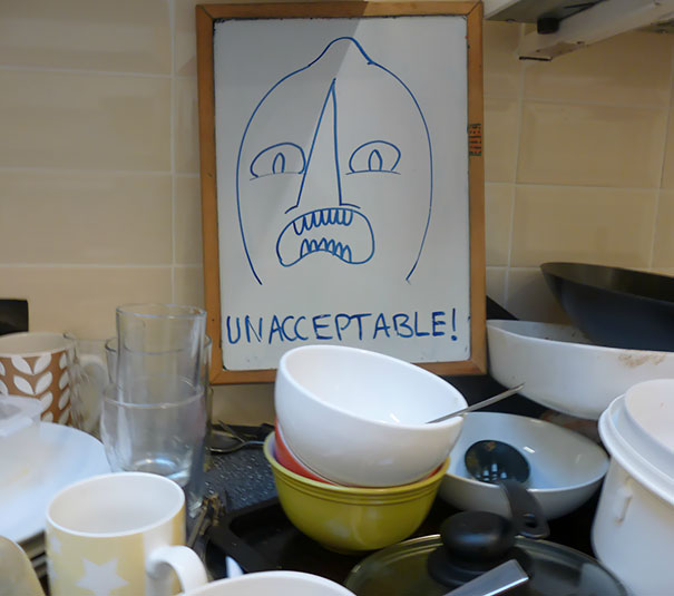 This Is How I Passive-Aggressively Remind My Housemates To Wash Up