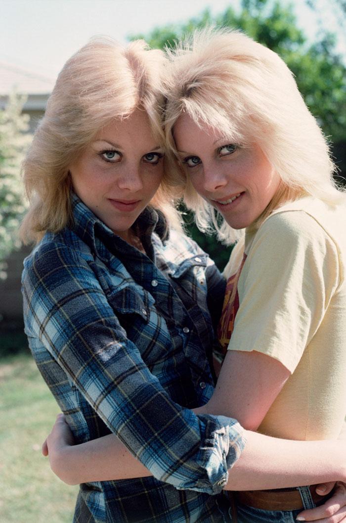 Cherie Currie y su hermana gemela, 1978