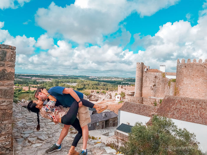 Viral Dipkissing Couple Continues Their Epic Tradition Around The World