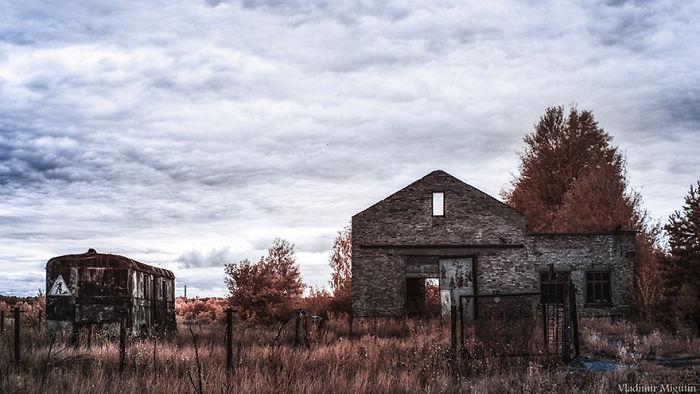 Granja abandonada en la zona de exclusión